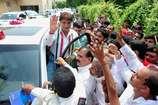 'चुनाव में संभल कर उंगली का इस्तेमाल करना...यह पिटवा भी देती है'