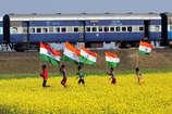 भारतीय रेल की कहानी को बयां करता है रेलवे कर्मी का ये गीत