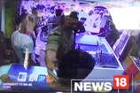 वीडियो: सीसीटीवी में कैद हुई सिपाही की दबंगई, कहा-सुनी पर जड़ा तमाचा