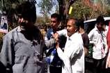 VIDEO : अंदर मंत्रीजी की बैठक, बाहर मारपीट और हंगामा