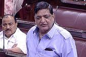 पनामा पेपर लीक में शामिल भारतीयों के नाम बताए सरकार: सपा