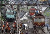 एसी में फॉल्ट से रेल को नुकसान, यात्रियों में मची अफरा-तफरी