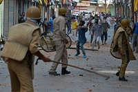 कश्मीर में हिंसा रोकने को पैलेट गन की जगह लेंगी मिर्च से भरी PAVA शेल्स!
