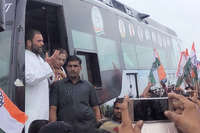 मुकुट से लेकर पायलट तक, राहुल ने मोदी पर खूब कसे तंज