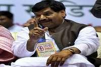 रामगोपाल सपा से बर्खास्त, शिवपाल ने लगाए गंभीर आरोप
