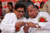इनसाइड स्टोरी: रामगोपाल यादव से इतने खौफजदा क्यों हैं सपा सुप्रीमो मुलायम!