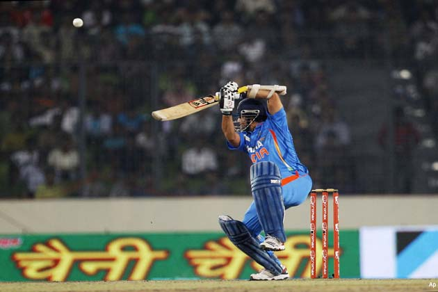 कोहली ने अपने करियर का 11वां शतक शानदार अंदाज में पूरा किया। कोहली ने 148 गेंदों में 22 चौके और एक छक्के की मदद से 183 रन बनाए।