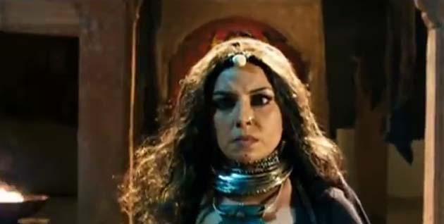 भट्ट कैम्प की फिल्मः करिश्मा ने कहा, 'ईमानदारी से कहूं तो मुझे महिला केंद्रित भूमिकाएं शानदार लगती हैं। लेकिन मैं आपको याद दिलाना चाहती हूं कि मैं बीवी नं. 1, फिजा, जुबैदा और शक्ति जैसी फिल्मों में 10 साल पहले ही इस तरह के किरदार कर चुकी हूं।'</p><p>