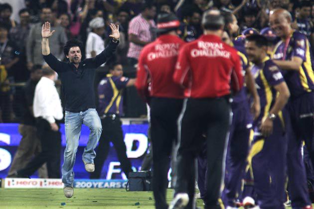 वानखेड़े में हंगामे के बाद स्टेडियम में घुसने पर बैन लगने से मायूस शाहरुख के लिए यह जीत बड़ी राहत लेकर आई।