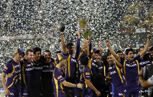 विजेता टीम नाइटराइडर्स को आईपीएल ट्रॉफी और 10 करोड़ रुपये इनाम राशि दी गई जबकि उप विजेता टीम सुपरकिंग्स को 7.5 करोड़ रुपये की इनामी राशि दी गई।