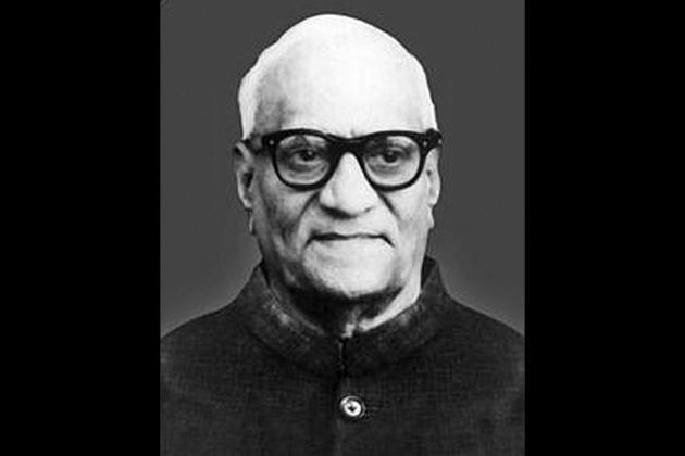 1969: वी.वी. गिरि, 24 अगस्त को राष्ट्रपति बने। 15 प्रत्याशियों में से गिरि को सर्वाधिक 4,01,515 वोट, जबकि डॉ. नीलम संजीव रेड्डी को 3,13,548 मत मिले।