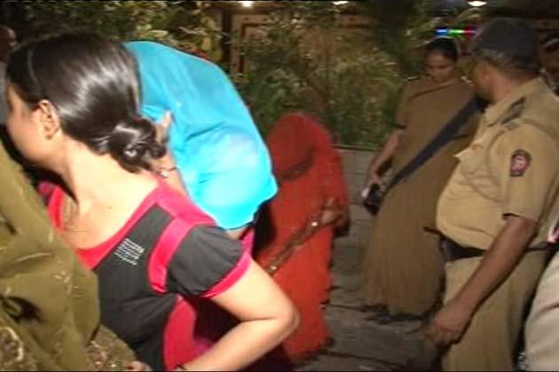 पुलिस के मुताबिक इस बार में लड़कियों की खरीद-फरोख्त की जा रही थी।