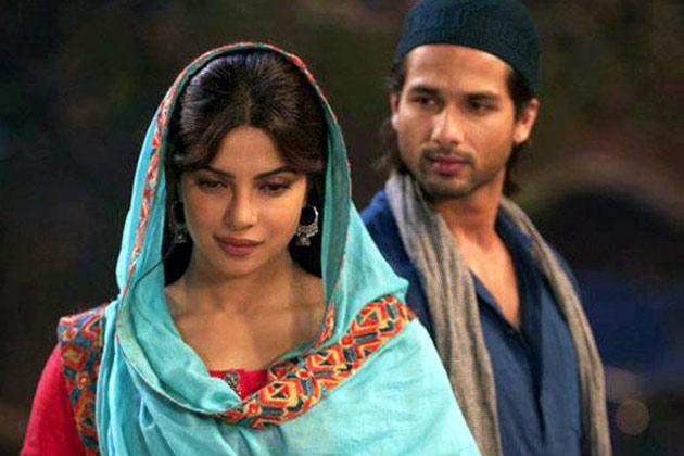 तेरी मेरी कहानी में तीन अलग-अलग लव स्टोरी दिखाई गई है। शाहिद और प्रियंका की जोड़ी परदे पर अच्छी है।