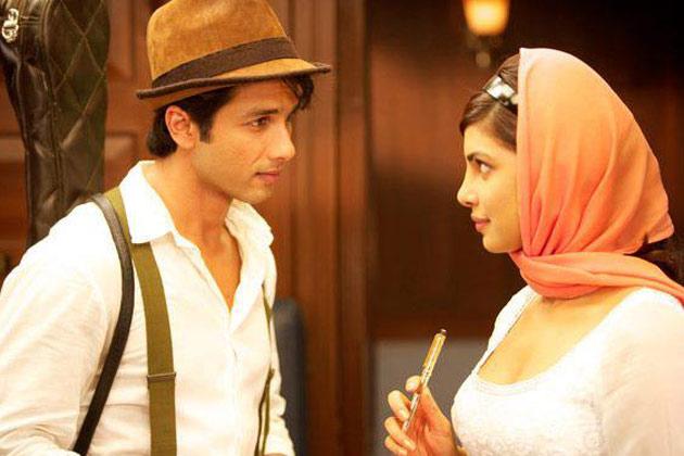 फिल्म में शाहिद और प्रियंका तीन अलग अवतारों में दिखेंगे।