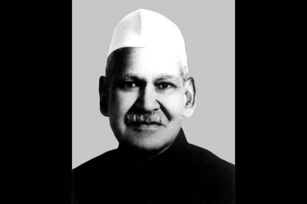 1992: शंकर दयाल शर्मा। 25 जुलाई को राष्ट्रपति बने। चार प्रत्याशियों में डॉ. शर्मा को 6,75,864 मत मिले।