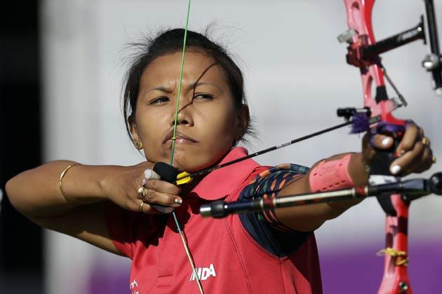भारत की महिला तीरंदाजी टीम भी लंदन ओलम्पिक से बाहर हो गई है। लॉर्ड्स क्रिकेट मैदान पर रविवार को हुई टीम स्पर्धा के क्वार्टर फाइनल में भारतीय महिला तीरंदाजों को डेनमार्क के हाथों हार कर बाहर होना पड़ा। विश्व की सर्वोच्च वरीयता प्राप्त दीपिका कुमारी, बोम्बाल्या देवी और सी. सुरो की टीम डेनमार्क के हाथों 210-211 के अंतर से हारीं।
