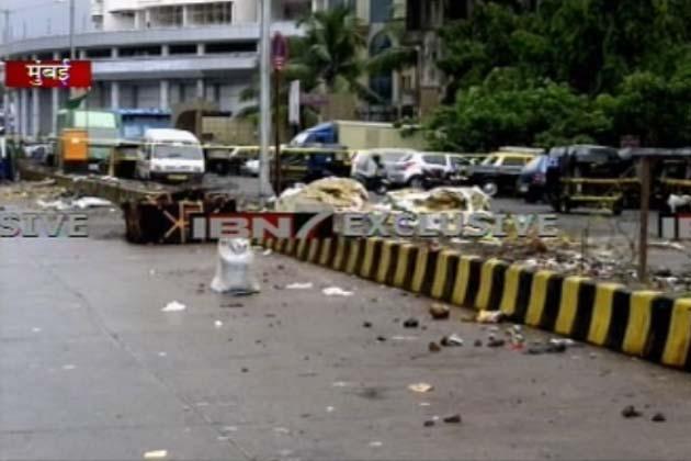मायानगरी मुंबई के अंधेरी इलाके में इनफिनिटी मॉल के बाहर एक बम मिलने की खबर ने दहशत फैला दी। मौके पर पहुंची बम स्कवॉड, एटीएस और क्राइम ब्रांच की टीमों जांच पड़ताल के बाद बताया है कि बम नकली था। पुलिस सूत्रों के मुताबिक इस नकली बम को कचरे के एक डिब्बे में रखा गया था।