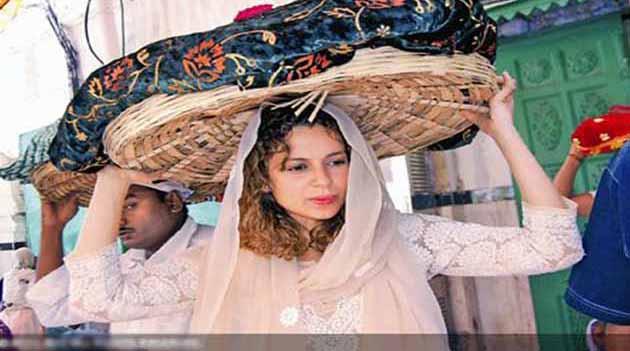 अंजुमन सैयद जादगान के सचिव वाहिद हुसैन अंगारा ने कहा कि ख्वाजा साहब के दरबार में हर रोज लाखों जायरीन जियारत के लिए आते हैं। </p><p>(तस्वीर:कंगना रणावत)