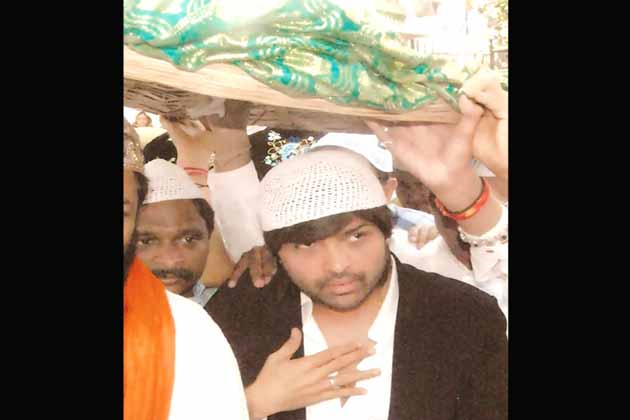 अंजुमन शेखजादगान के सह सचिव एस नसीम अहमद चिश्ती ने कहा कि ख्वाजा साहब का दरबार सभी 36 कौमों के लिए खुला है।<br /> (तस्वीर-हिमेश रेशमिया)