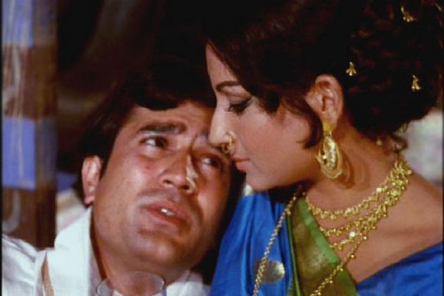 निधन के वक्त राजेश खन्ना के साथ उनका पूरा परिवार मौजूद था।