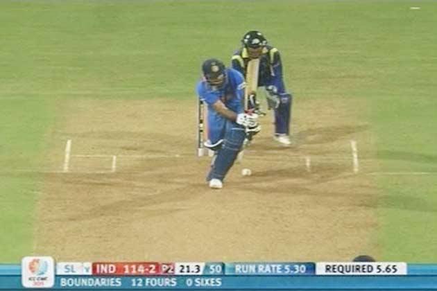श्रीलंकाई जमीं पर धोनी को मिली है जबरदस्त कामयाबी!