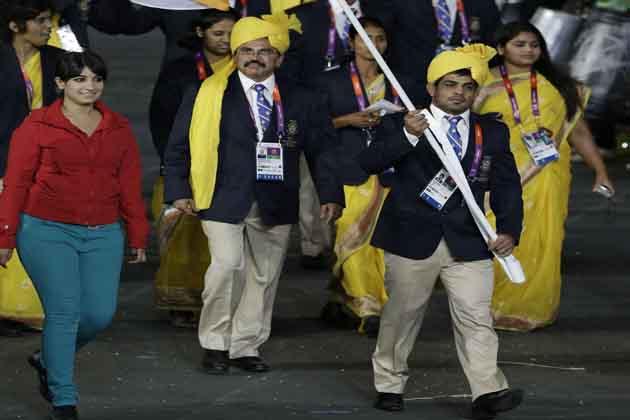 भारतीय दल के चीफ द मिशन पी के मुरलीधरन राजा खुद इस बात से हैरान और परेशान हैं कि एक लड़की जो भारतीय एथलीटों या प्रतिनिधिमंडल में शामिल नहीं है वो कैसे और क्यों दल के साथ मार्च पास्ट में शामिल हो गई।
