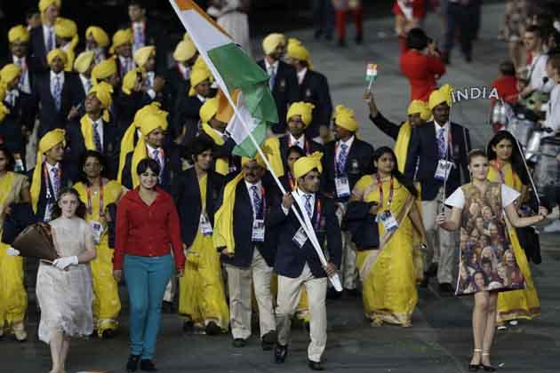 महत्वपूर्ण बात ये है कि भारतीय दल को लाइव प्रसारण में महज 10 सेकेंड के लिए दिखाया गया और वो भी पूरी तरह उस लड़की पर केंद्रित था। भारतीय दल में 81 एथलीट शामिल हैं लेकिन केवल 40 एथलीट और 11 अधिकारियों ने ही मार्च पास्ट में हिस्सा लिया।