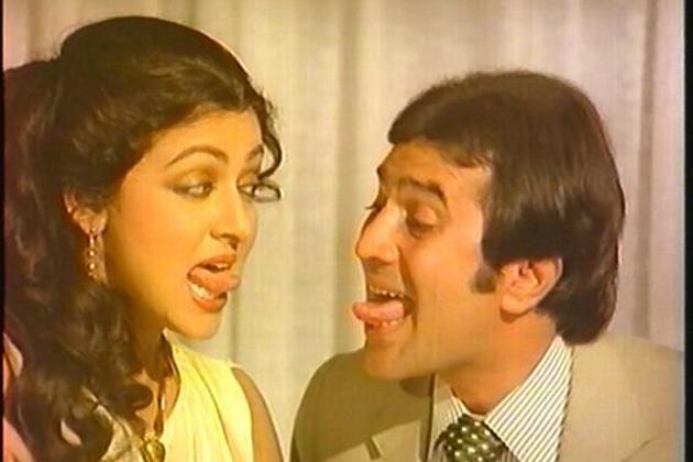 1966 में उन्होंने पहली बार 24 साल की उम्र में आखिरी खत नामक फिल्म में काम किया था।
