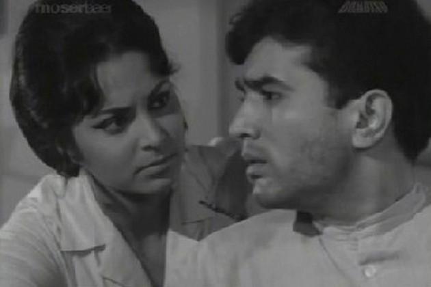 इसके बाद एक के बाद एक 14 सुपरहिट फिल्में देकर उन्होंने हिंदी फिल्मों के पहले सुपरस्टार का तमगा अपने नाम किया।