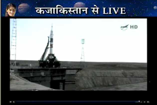 उड़ान भरने के बाद स्पेस क्राफ्ट के अंदर से सुनीता विलयम्स ने स्पेस सेंटर और दुनिया भर के लोगों को बधाई दी है। ये टीम करीब 5 महीने तक स्पेस सेंटर में रहेगी और कई रिसर्च को अंजाम देगी।