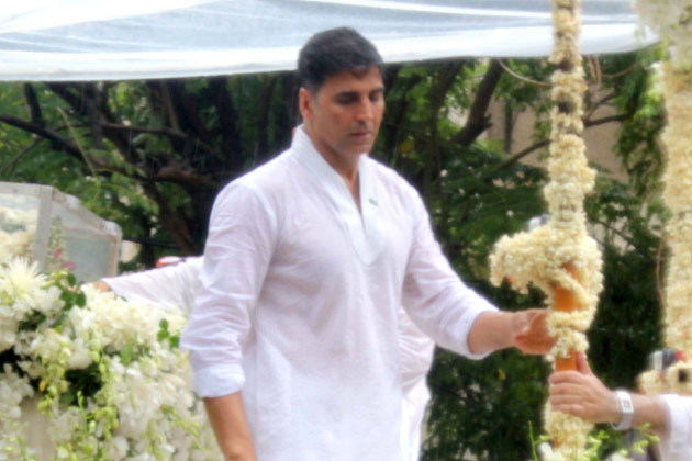 <br /> महानायक अमिताभ बच्चन के अनुसार राजेश के अंतिम शब्द 'टाइम टू पैक अप' थे।