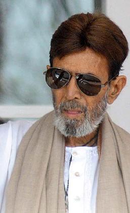 बाद में वे राजनीति में आए और 1991 में वे नई दिल्ली से कांग्रेस के टिकट पर संसद सदस्य चुने गए।
