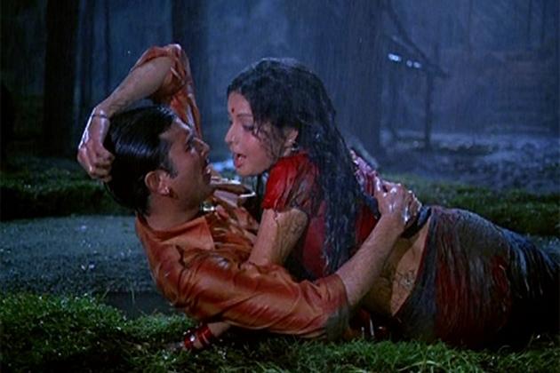 आ अब लौट चलें, क्या दिल ने कहा, जाना, वफा जैसी फिल्मों में उन्होंने अभिनय किया लेकिन इन फिल्मों को कोई खास सफलता नहीं मिली