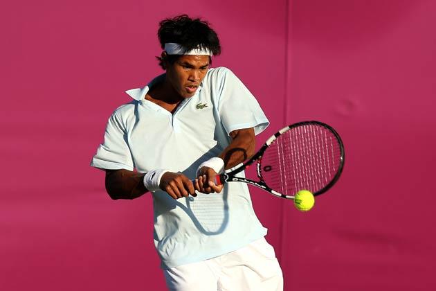 लंदन ओलम्पिक में टेनिस के पुरुषों के एकल मुकाबले के पहले दौर में सोमदेव देववर्मन रविवार को फिनलैंड के जार्को निमिनेन से हार गए। सोमदेव 72 मिनट तक विम्बलडन में चले मुकाबले में जार्को से 3-6, 1-6 से पराजित हो गए</p><p>