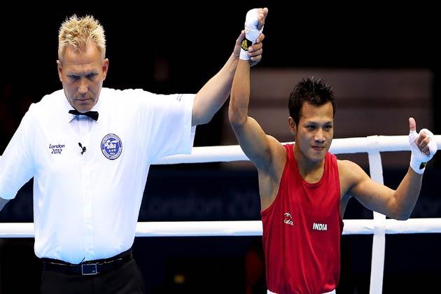 पदक के प्रबल दावेदारों में से एक भारत के मुक्केबाज लैशराम देवेंद्रो सिंह (49 किलोग्राम) ने लंदन ओलम्पिक की मुक्केबाजी प्रतियोगिता के क्वार्टर फाइनल में जगह बना ली है।