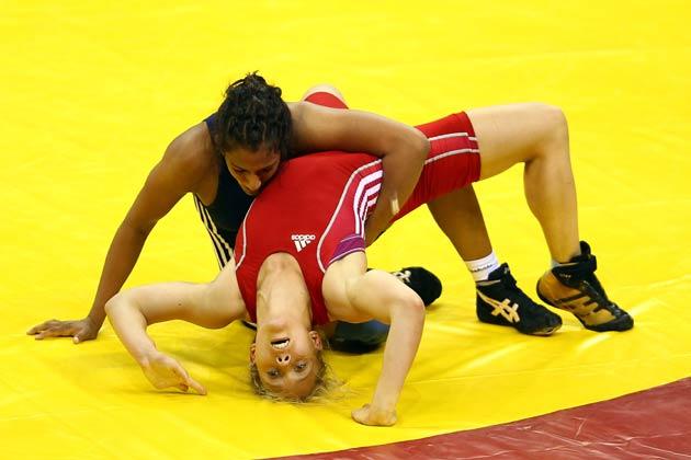 साल 2010 में दिल्ली में हुए कॉमनवेल्थ गेम्स के 55 किलोग्राम फ्री स्टाइल (महिला) कुश्ती में गोल्ड जीता था।