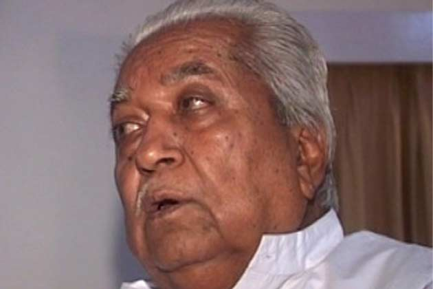 केशुभाई पटेल ने बीजेपी छोड़ी, मोदी को जी भरके कोसा