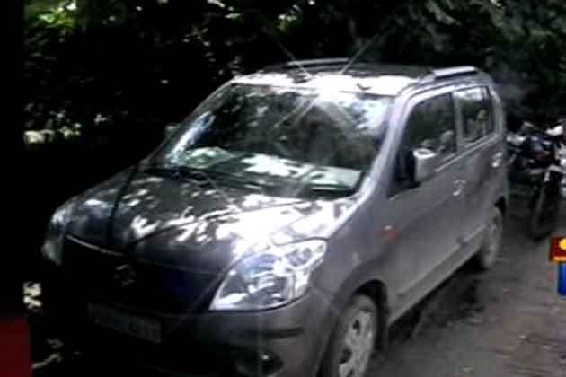 कार में निर्वस्त्र मिला प्रेमी युगल, दम घुटने से मौत