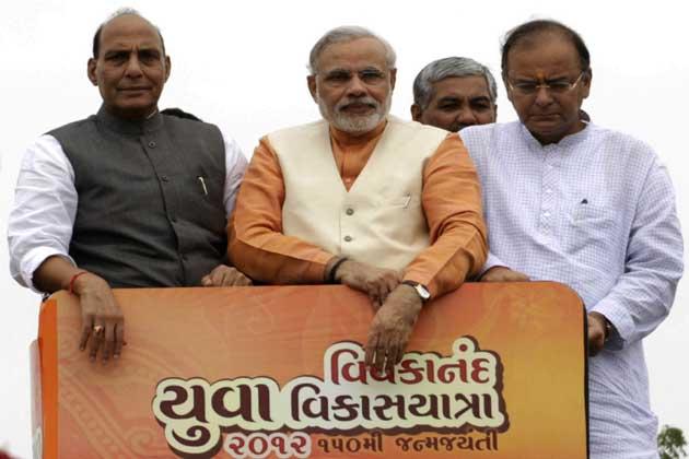 राज्य में दोबारा चुनाव हुए जिसमें बीजेपी ने मोदी के नेतृत्व में विधानसभा की कुल 182 सीटों में से 127 सीटों पर जीत हासिल की।