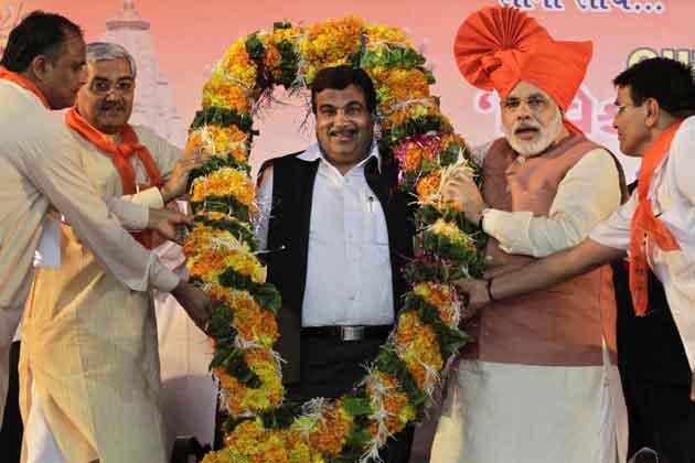 उनके नेतृत्व में भारतीय जनता पार्टी ने पहले दिसम्बर 2002 और उसके बाद दिसम्बर 2007 के विधानसभा चुनाव में भारी बहुमत हासिल किया।