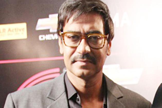 अजय देवगण ने इस फंक्शन में शिरकत की। जल्द ही लोग उन्हें 'सन ऑफ सरदार' में संजय दत्त और सोनाक्षि सिन्हा के साथ देखेंगे।