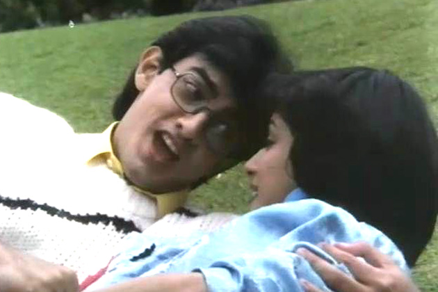 'दीवाना मुझ सा नहीं' में आमिर खान ने एक फोटोग्राफर का रोल अदा किया था जो अपनी मॉडल दोस्त माधुरी दीक्षित का दीवाना होता है। दर्शकों ने इस फिल्म को भी नकार दिया और फिल्म बॉक्स ऑफिस पर बुरी तरह पिट गई।