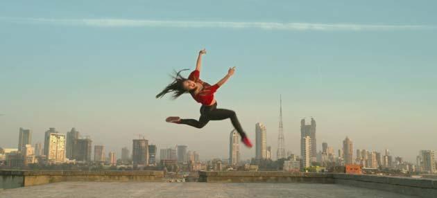 डांस इंडिया डांस से मशहूर हुए धर्मेश भी इस फिल्म में हैं जो तीस मार खां के एक डांस को  कोरियोग्राफ कर चुके हैं।
