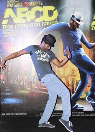 बताया जाता है कि फिल्म के निर्माता माधुरी दीक्षित से भी बात कर रहे हैं ताकि उन्हें प्रभु देवा के साथ एक आइटम नंबर के लिए राजी किया जा सके।