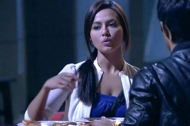 बिग बॉस ने सना के साथ डेटिंग के लिए राजीव और विशाल को एक काम दिया था। जिसे विशाल ने पूरा किया।