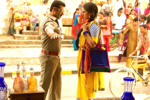 सलमान खान की फिल्म 'दबंग-2' आज रिलीज हो रही है। फिल्म में सलमान खान इंस्पेक्टर चुलबुल पांडे के रोल में नजर आएंगे।