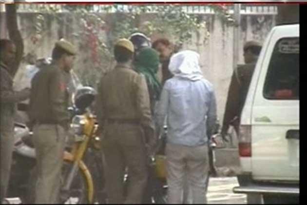 दिल्ली गैंगरेप: 5 आरोपियों के खिलाफ चार्जशीट दाखिल