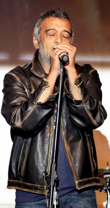 डेविड के म्यूजिक लॉन्च पर गायक लकी अली भी पहुंचे।