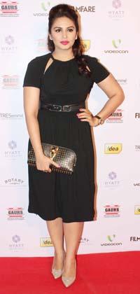 एक्ट्रेस हुमा कुरैशी ने भी फिल्मफेयर नॉमिनेशन पार्टी में अपने जलवे बिखेरे।