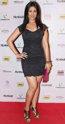 एक्ट्रेस अंजना सुखानी भी फिल्मफेयर नॉमिनेशन पार्टी में पहुंचीं।